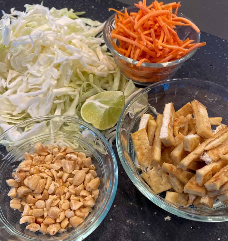 Vegetable Pad Thai with Dry-fried Tofu ingredients